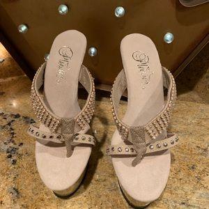New Pleaser  Tan Heels Size 6